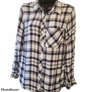 Kenneth Cole Rayon Plaid Button Up Top